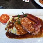 The roast chicken with mashed potatoes and gravy...wonderful!