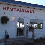 Baybreeze Restaurant & Motel