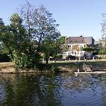 Maison vue de la rivière