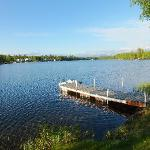 directly located on the sand lake with private landing stage