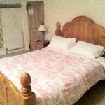 Large comfy queen bed!