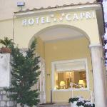 Hotel Capri entrance