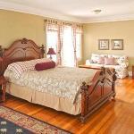 Room 3, Luxury King