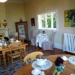 Breakfast room - No doilies here!