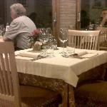 Un tavolo della sala principale