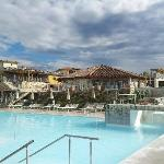 Vista della struttura dalle piscine termali