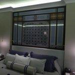 Corner suite bed