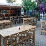 Bar & Lounge at pattio