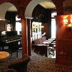 Le salon, piano-bar