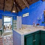 Casa Palopó Bathroom Baños Salle de Bains