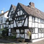 The Old Chestnut Tree Inn