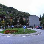Rotonda delante del Hotel