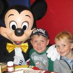dinner in cafe mickey - magic