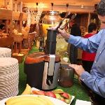 vegetable juicer in breakfast buffet