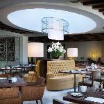 LOURO Restaurant (49868382)