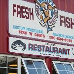 Dolly' Fish Market and Restaurant Sign