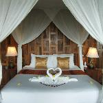 HONEYMOON BED