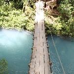 Uno de los puentes en la ruta a Rio Celeste