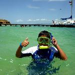 Mi hijo haciendo snorkel