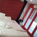 nice red room