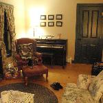 Room 5 Schubert Suite sitting room