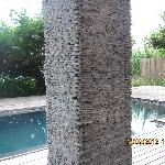 decorative stones chipping off from pillar