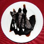 Torta al cioccolato decorato al cream caramel