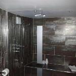 Huge luxurious bathroom with walk in shower