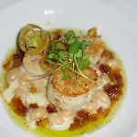 Scallops with cannellini