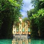 Baray Villa pool