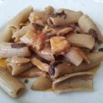 rigatoni di farina di castagna con funghi freschi e tartufo