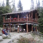 Photo de Plain of Six Glaciers Tea House