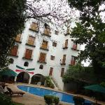Vista posterior del hotel