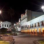 Fachada y Plaza Grande