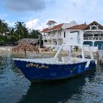 Sueno del Mar hotel and Dive boat