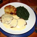 Tenderloin scalopes with brie sauce, spinach sautée and rösti potatoes