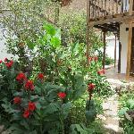 El Albergue Gardens
