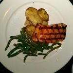Teriyaki Glazed Salmon w/Yukon Potatoes & Sauteed Green Beans