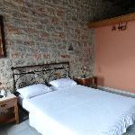 Υπέροχα πέτρινα παραδοσιακά δωματια