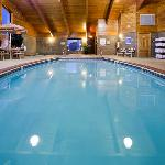 Pool, Whirlpool, & Sauna
