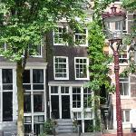 Amsterdam Canal Apartments Front on the canal