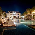 O Restaurant Exterior & Pool