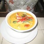 Very tasty soup based on coconut milk and kari with seafood