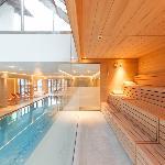 Schwimmbad mit Textilsauna