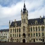 City Hall and Belfry (Stadhuis en Belfort)