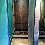 Nita Lake Spa - Women's Bathroom Shower