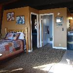 4-6 Person Private Bedroom Cabin