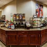 CountryInn&Suites CrystalLake BreakfastRoom