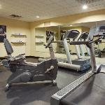 CountryInn&Suites CrystalLake FitnessRoom
