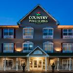 CountryInn&Suites CrystalLake ExteriorNight